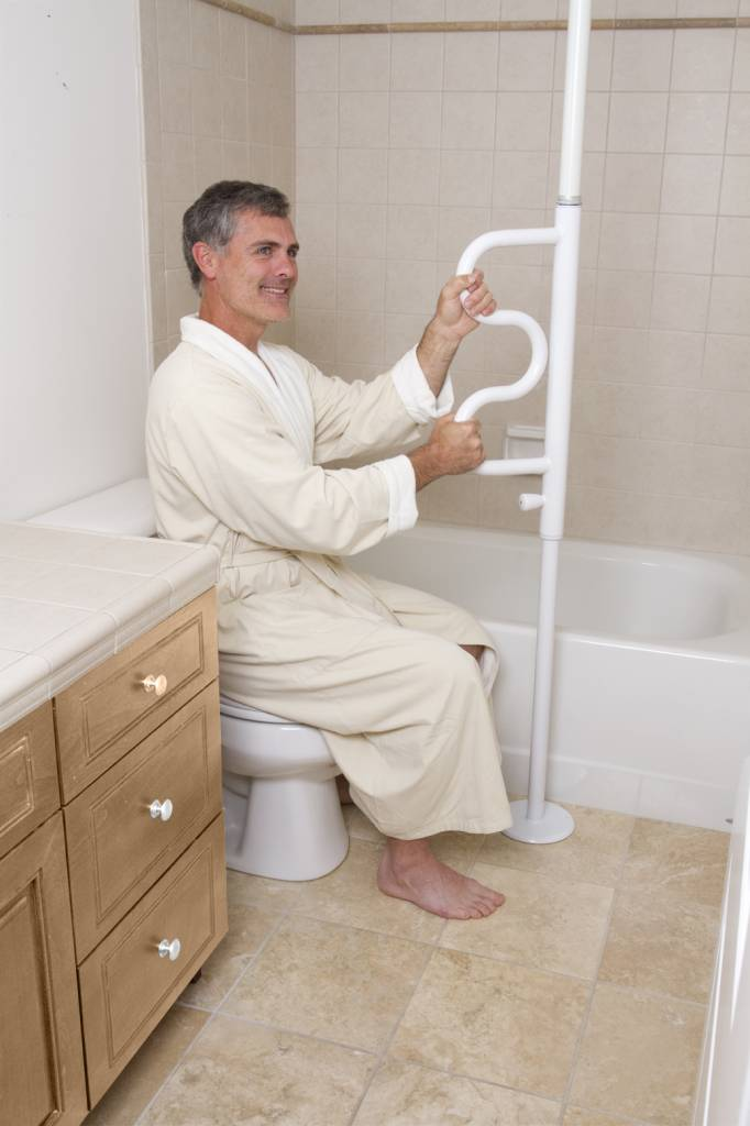 Kui on raskusi vanni minekuga siis on abi maast laeni tugikäepidemest